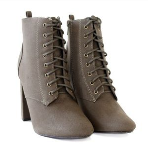 DELICIOUS EMINENT OLIVE LACE UP SUEDE BOOTIES 8.5
